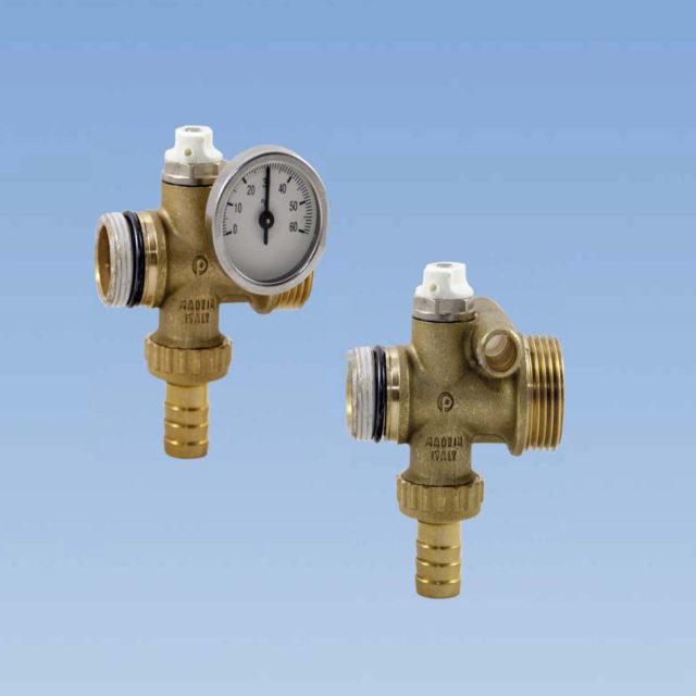 """AC7014 komplet tilslutningsstykke, 3/4"""" fordelersystem, påfyldningshane, aftaphane, luftskrue, termometer"""